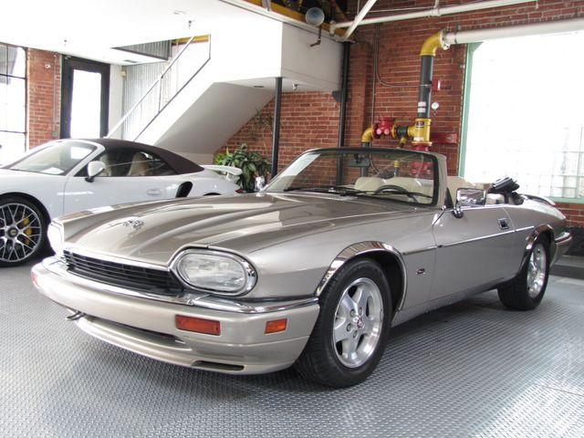 1995 Jaguar Xjs 2dr Convertible 4 0l 18496884 Video 1