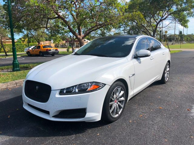 Used Jaguar Xf >> 2014 Used Jaguar Xf 4dr Sedan I4 T Rwd At A Luxury Autos Serving Miramar Fl Iid 18169003