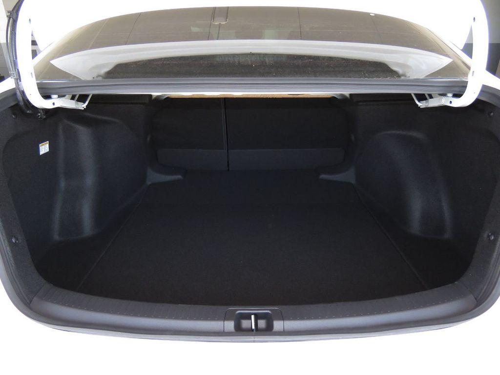 New 2021 Toyota Corolla Hybrid LE CVT