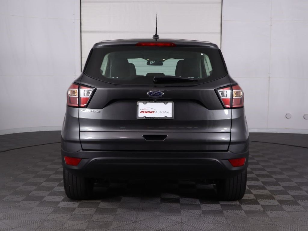 Pre-Owned 2017 Ford Escape FWD 4dr S