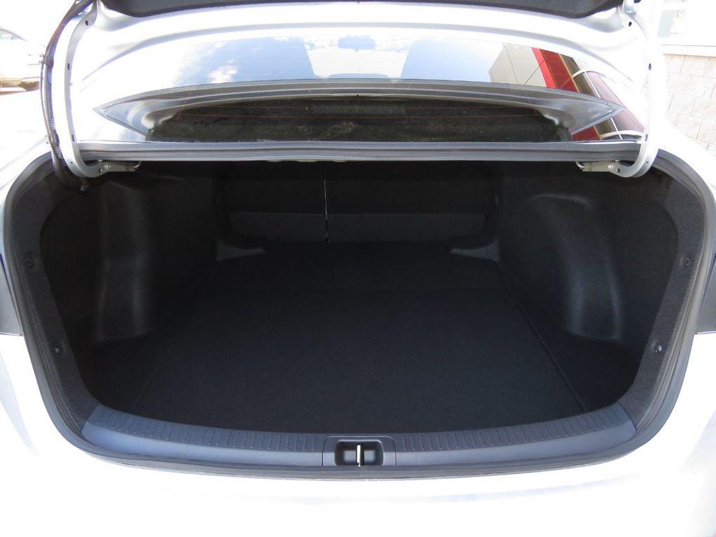 New 2021 Toyota Corolla LE CVT