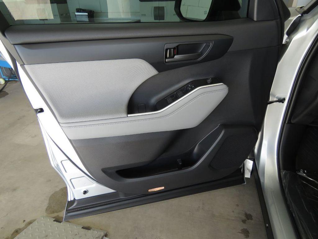 New 2021 Toyota Highlander Hybrid Le Fwd Suv In Phoenix T09209 Penske Automall