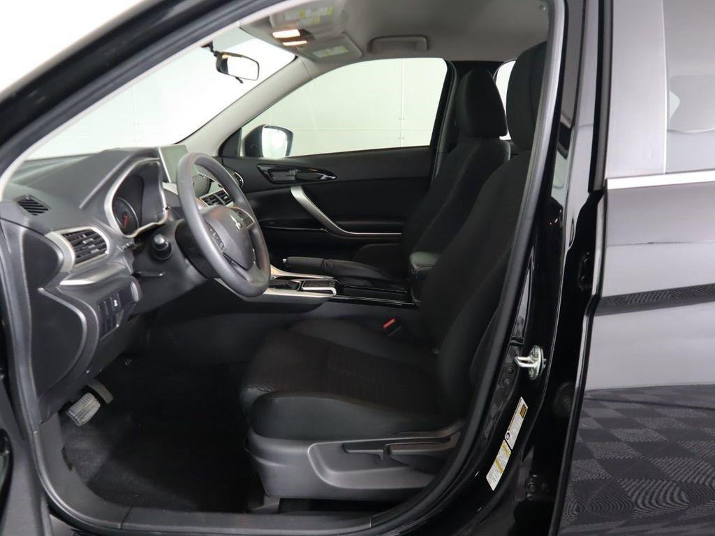 Pre-Owned 2019 Mitsubishi Eclipse Cross LE