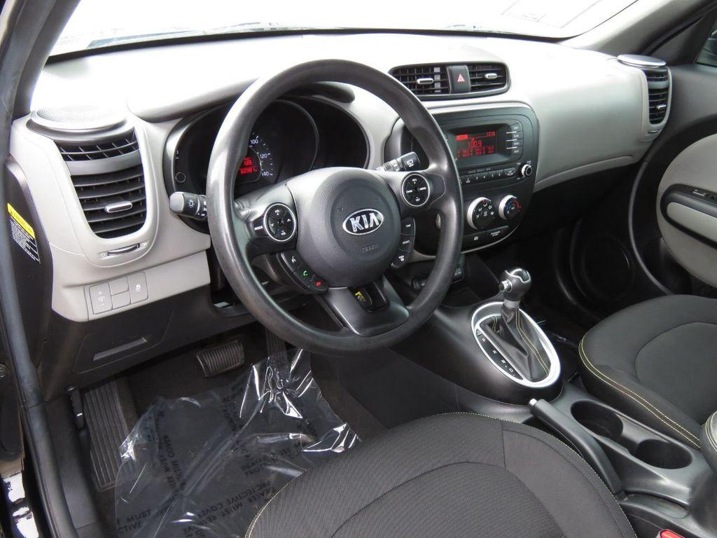 Pre-Owned 2015 Kia Soul 5dr Wagon Automatic +