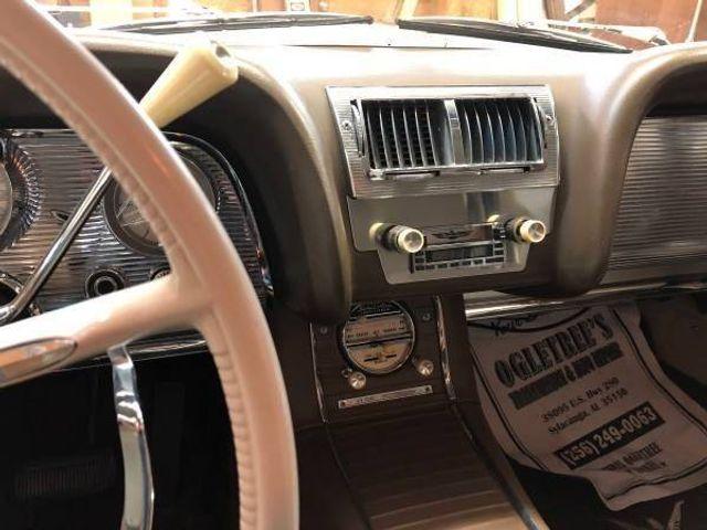 1960 Ford Thunderbird 12