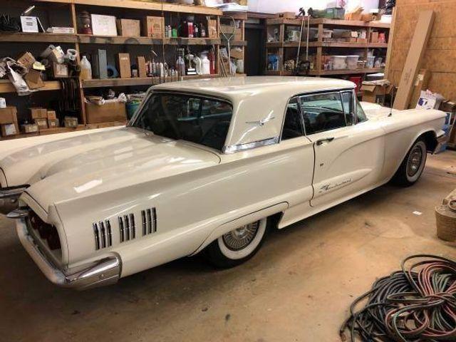 1960 Ford Thunderbird 13