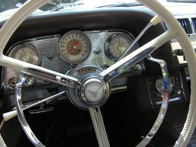 1960 Ford Thunderbird 8