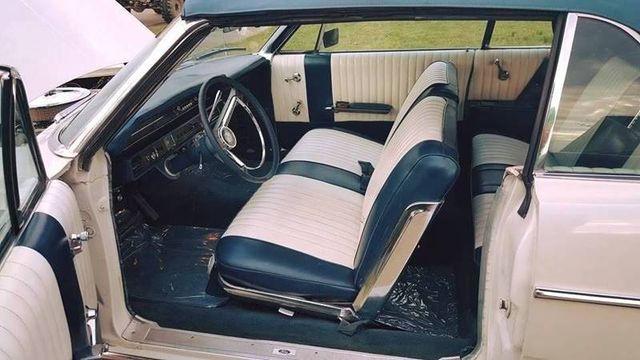 1966 Ford Galaxie 500 16