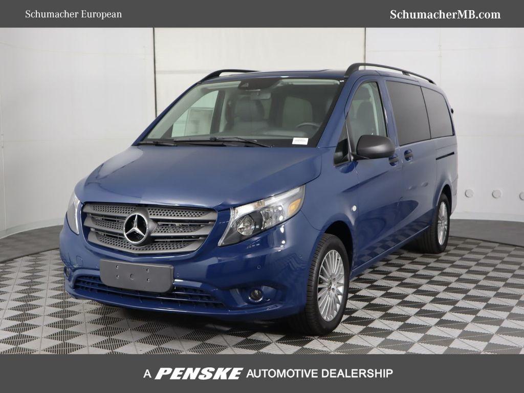 """New 2019 Mercedes-Benz Metris Passenger Van Metris Passenger Van Standard Roof 126"""" Wheelbase"""