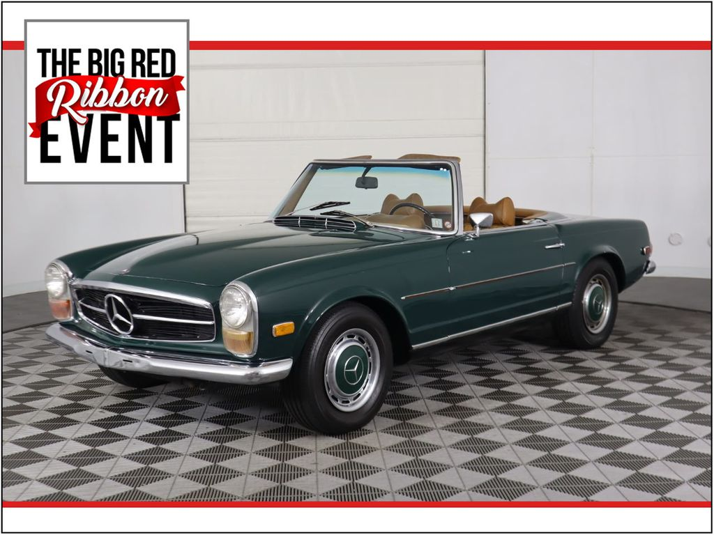 Pre-Owned 1970 Mercedes-Benz 280 SL