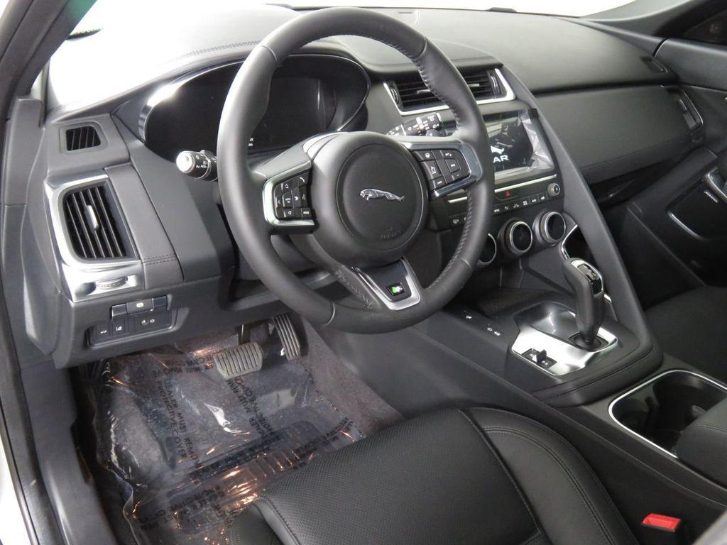 Pre-Owned 2020 Jaguar E-PACE P250 AWD SE