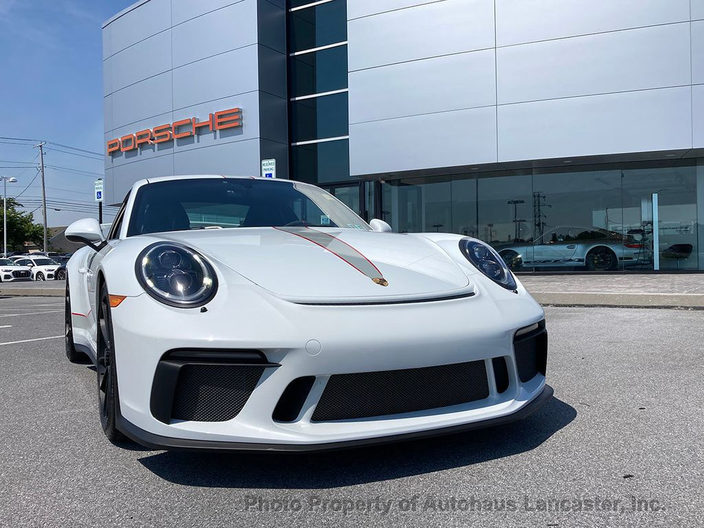 Pre-Owned 2018 Porsche 911 Immaculate- Manual Trans! Bucket Seats! Axle Lift!