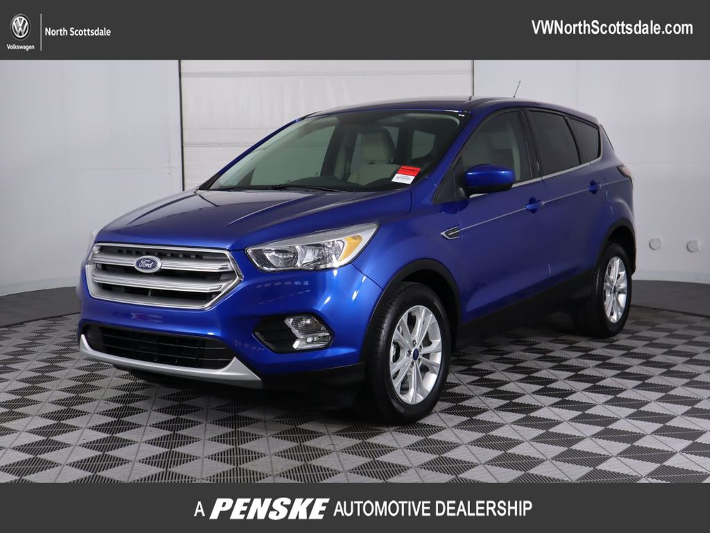 Pre-Owned 2017 Ford Escape SE FWD