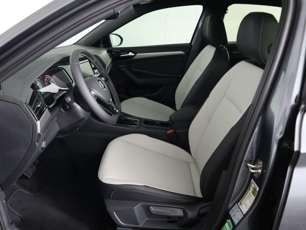 New 2020 Volkswagen Jetta R-Line Automatic w/ULEV