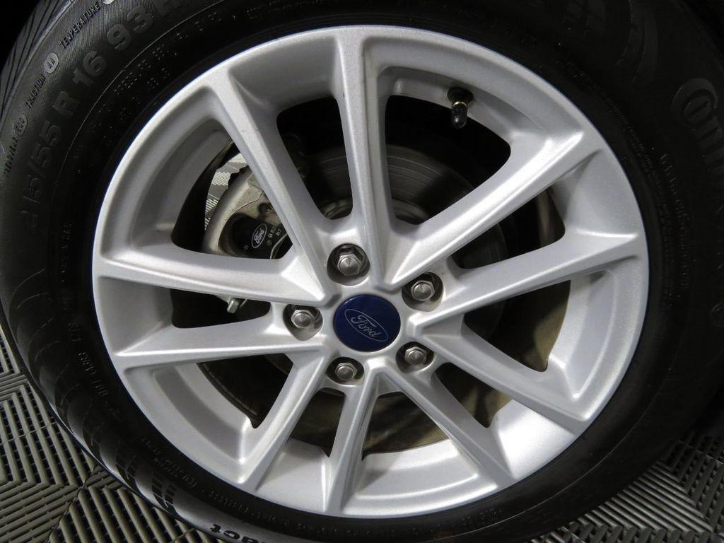 Pre-Owned 2018 Ford Focus SE Sedan