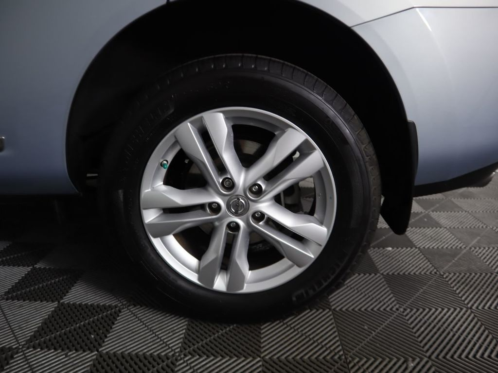 Pre-Owned 2012 Nissan Rogue FWD 4dr SV