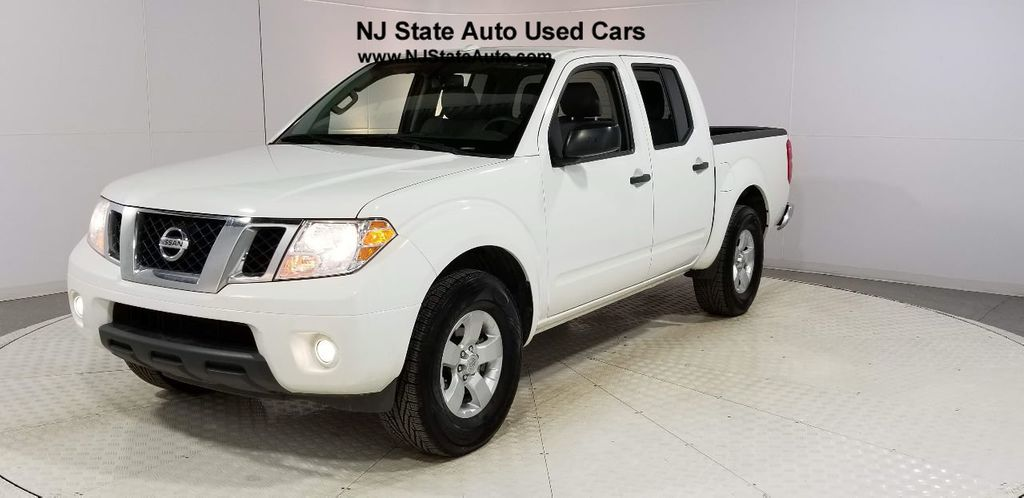 2013 Nissan Frontier 2WD Crew Cab SWB Automatic SV - 18291772