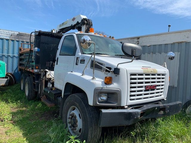 2007 GMC C-8500 TANDEM 10 YARD DUMP TRUCK WITH KNUCKLE BOOM CLAM SHELL BUCKET - 17549669