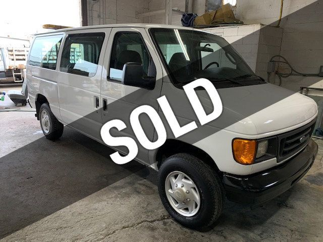Ford 12 Passenger Van >> 2007 Used Ford E 350 Super Duty 12 Passenger Van Very Low Miles At More Than Trucks Serving Massapequa Ny Iid 18837903