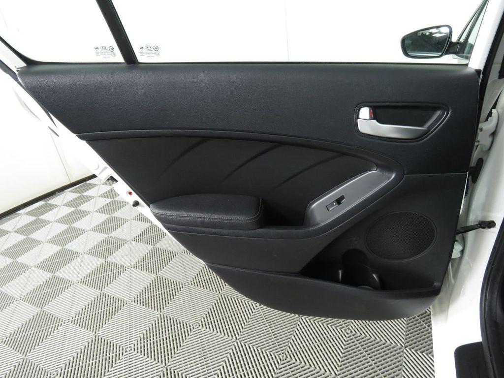 Pre-Owned 2017 Kia Forte LX Automatic