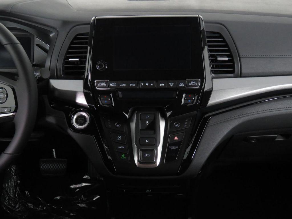New 2021 Honda Odyssey Touring Auto