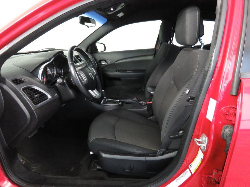 Pre-Owned 2014 Dodge Avenger 4dr Sedan SXT