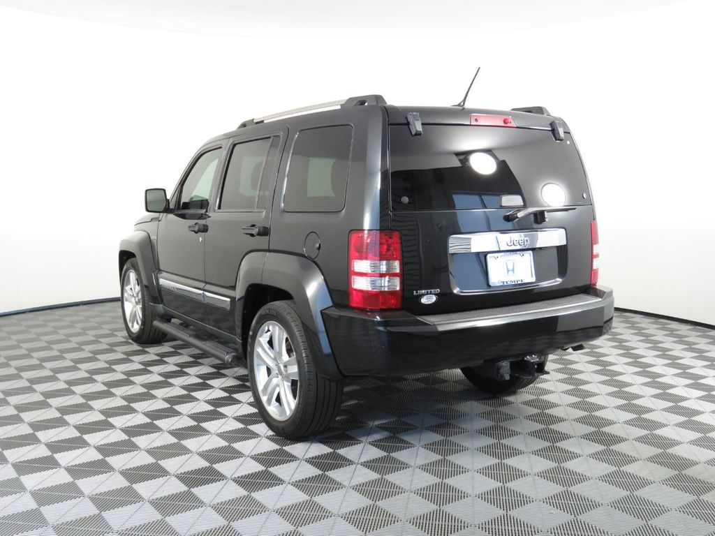 Pre-Owned 2012 Jeep Liberty RWD 4dr Limited Jet