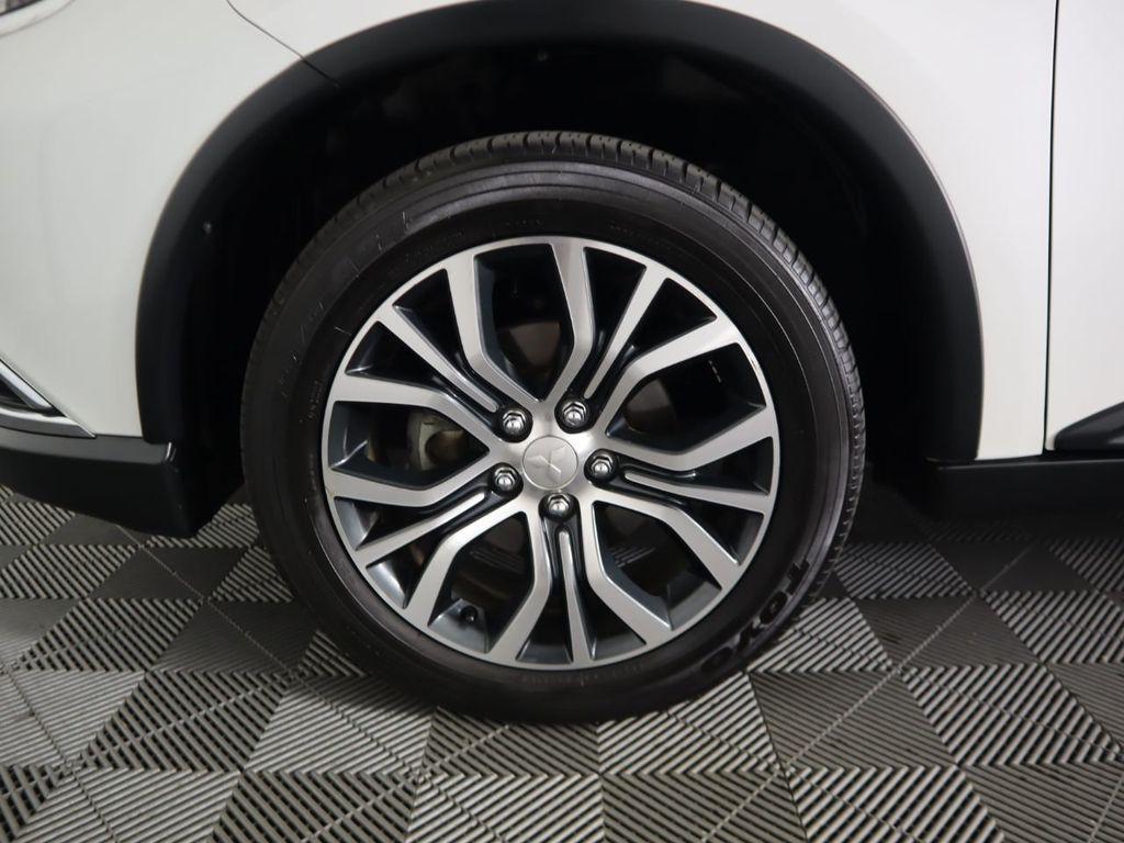 Pre-Owned 2018 Mitsubishi Outlander ES FWD
