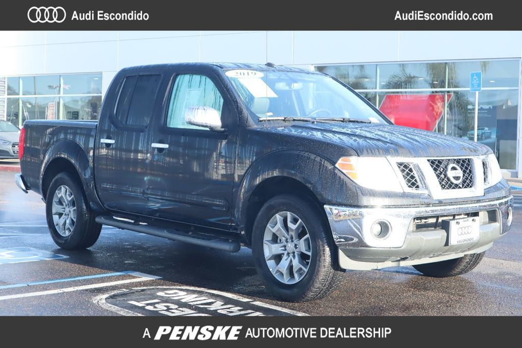 Pre-Owned 2019 Nissan Frontier Crew Cab 4x2 SL Automatic