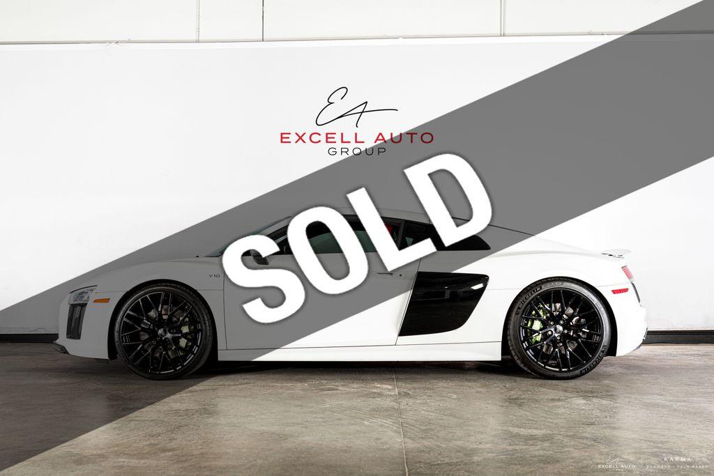 Dealer Video - 2017 Audi R8 Coupe  - 18527214