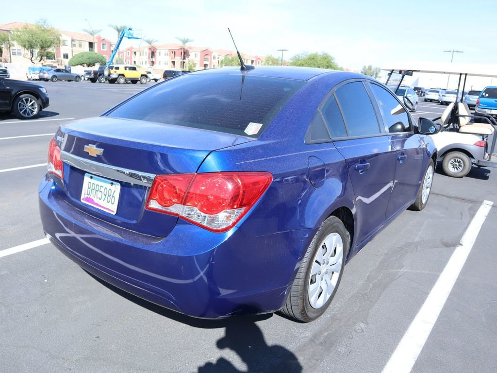 Pre-Owned 2013 Chevrolet CRUZE 4dr Sedan Automatic LS