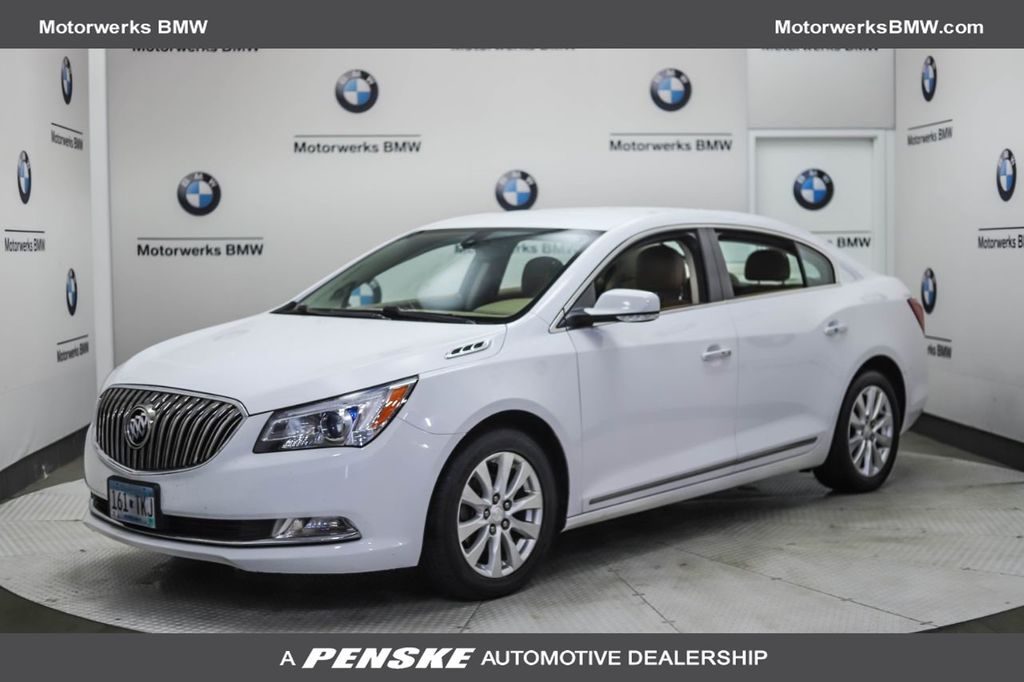 Pre-Owned 2014 Buick LaCrosse 4dr Sedan Leather FWD