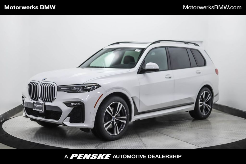 New 2021 BMW X7 xDrive40i Sports Activity Vehicle