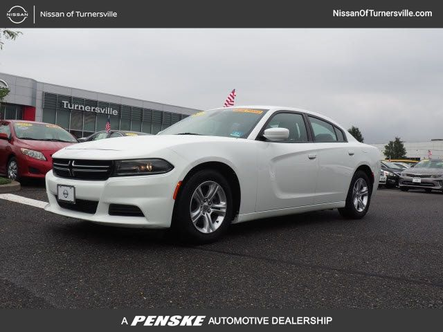 Pre-Owned 2015 Dodge Charger 4dr Sedan SE RWD