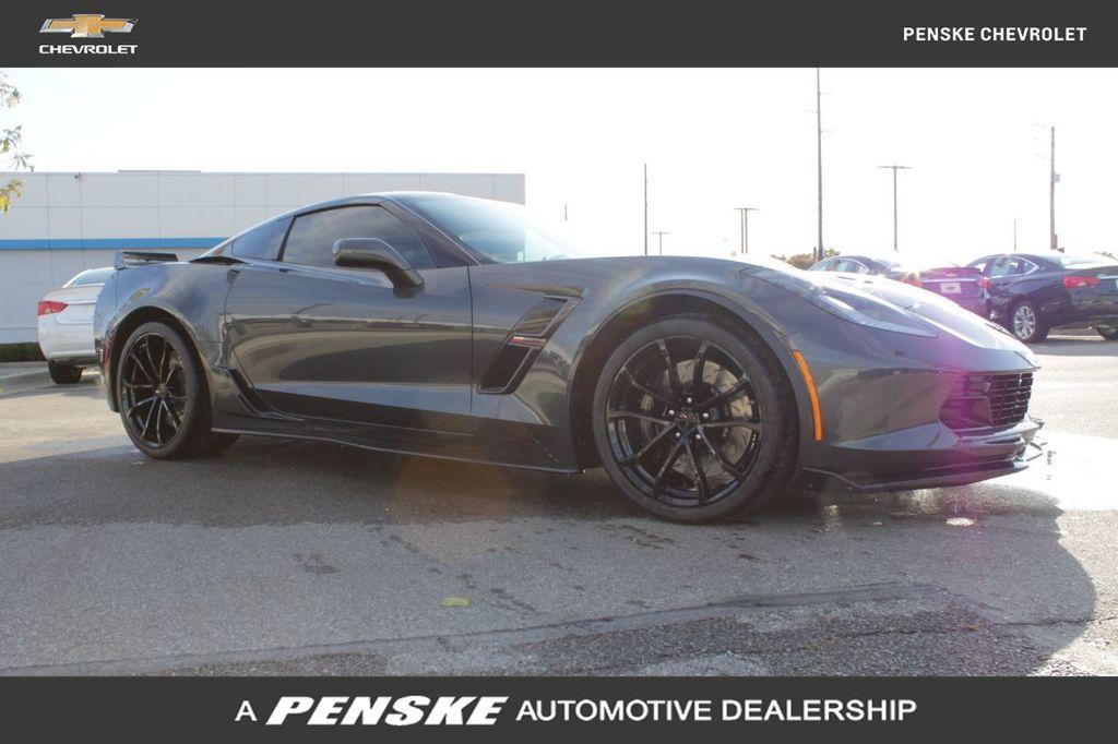 Pre-Owned 2017 Chevrolet Corvette 2dr Grand Sport Coupe w/2LT