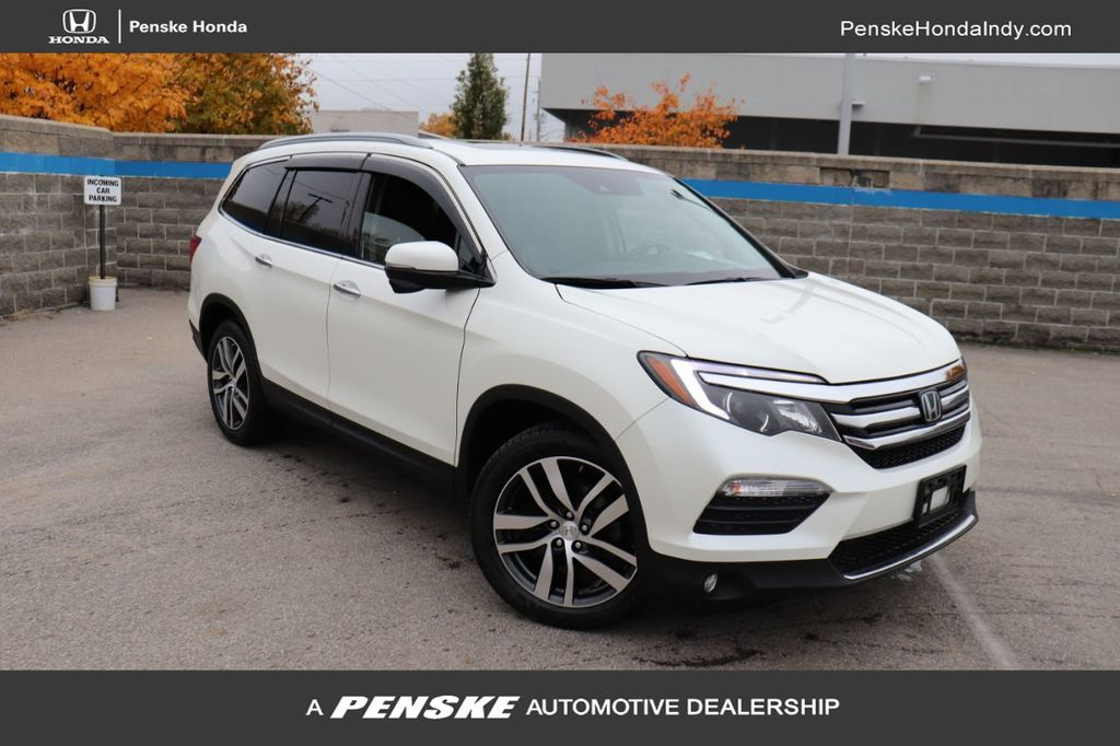 Certified Pre-Owned 2017 Honda Pilot Touring AWD