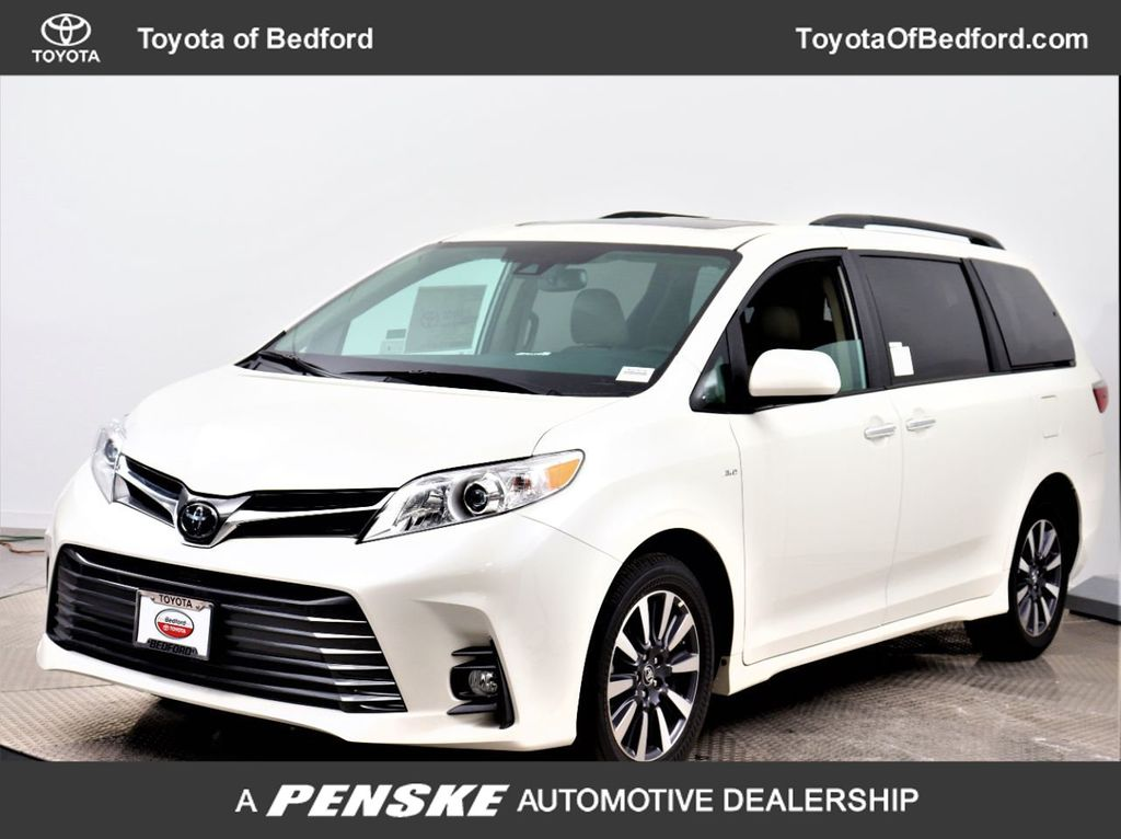 Pre-Owned 2020 Toyota Sienna XLE AWD 7-Passenger
