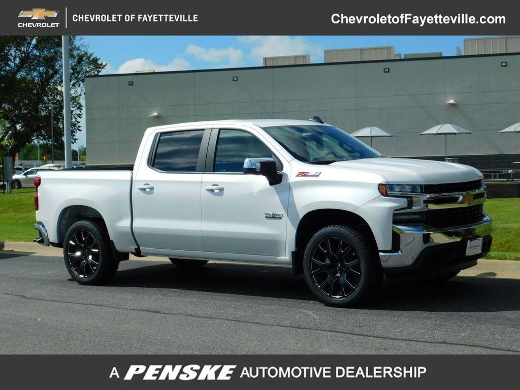 """New 2020 Chevrolet Silverado 1500 4WD Crew Cab 147"""" LT"""