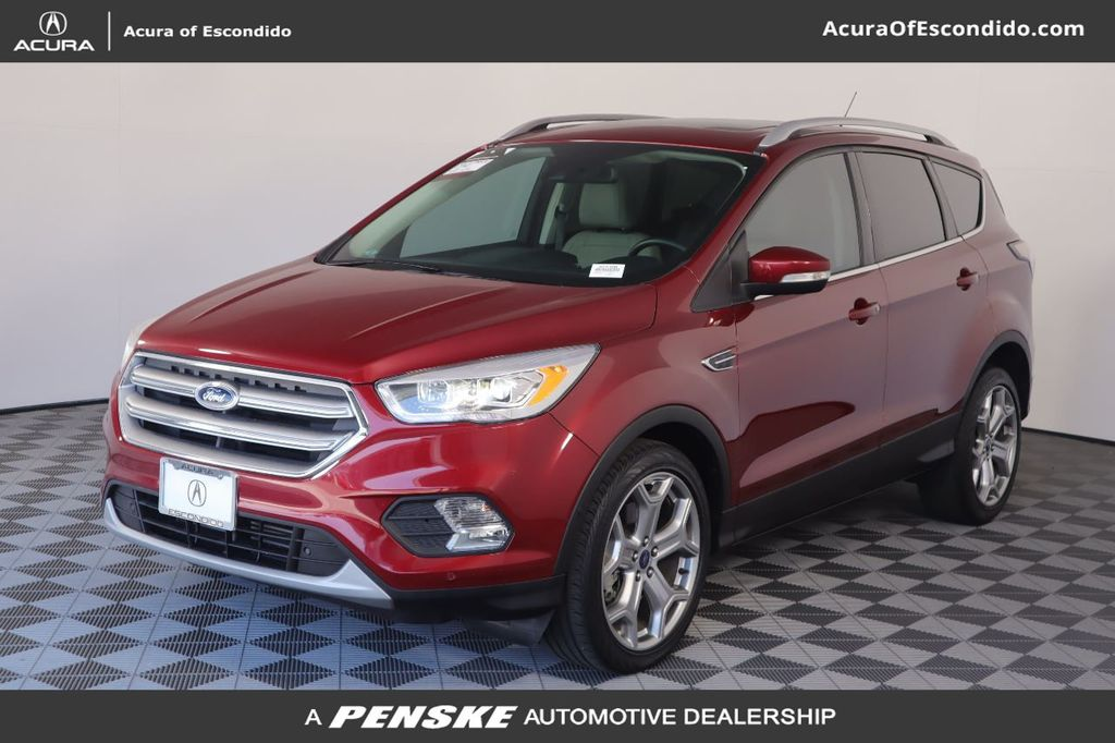 Pre-Owned 2017 Ford Escape FWD 4dr Titanium