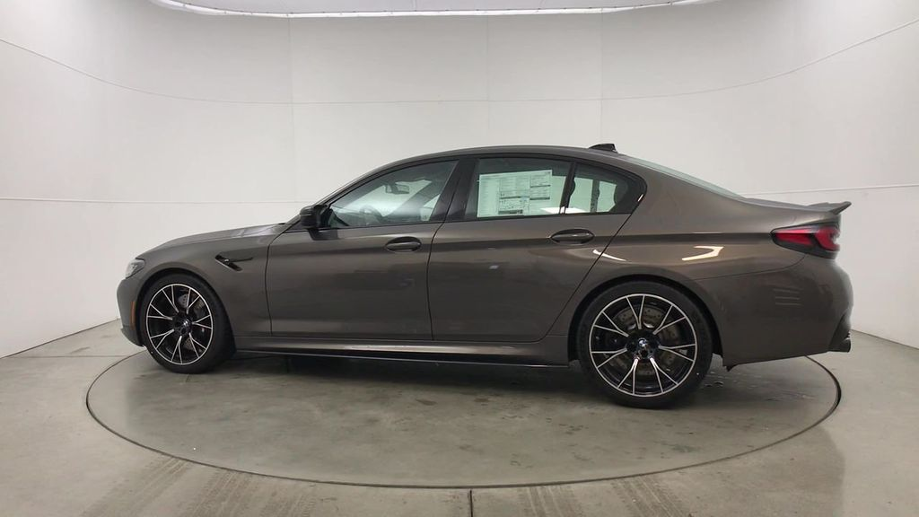 New 2021 BMW M5 SDN