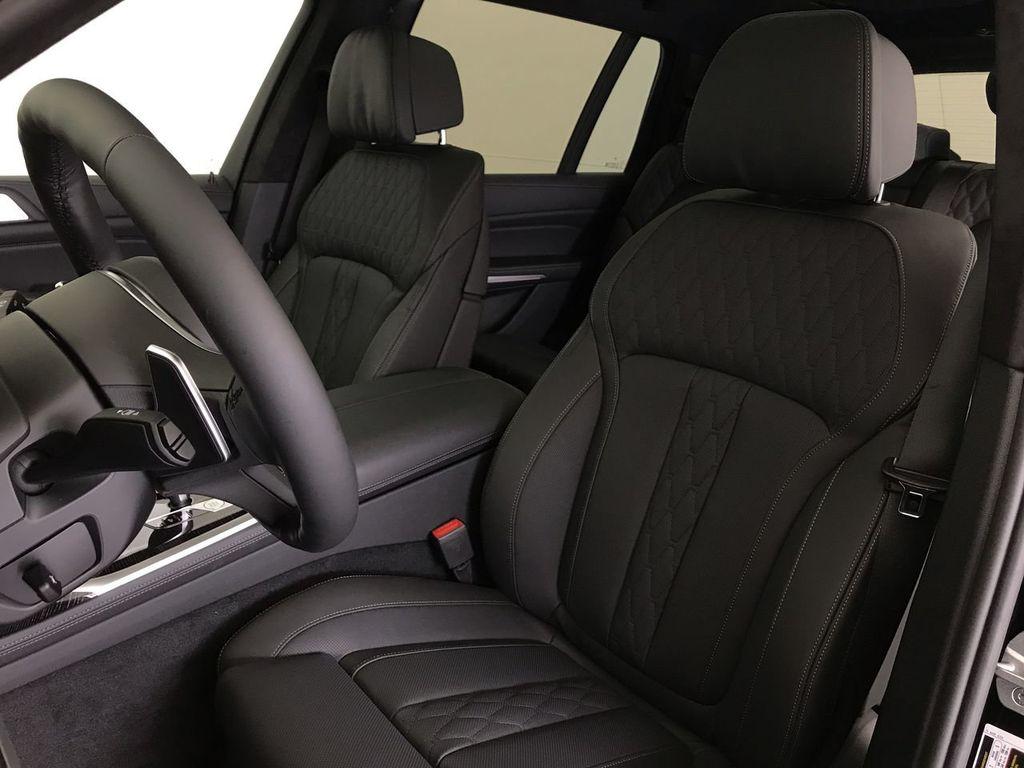 New 2021 BMW X7 xDrive40i Sports Activity Vehicle