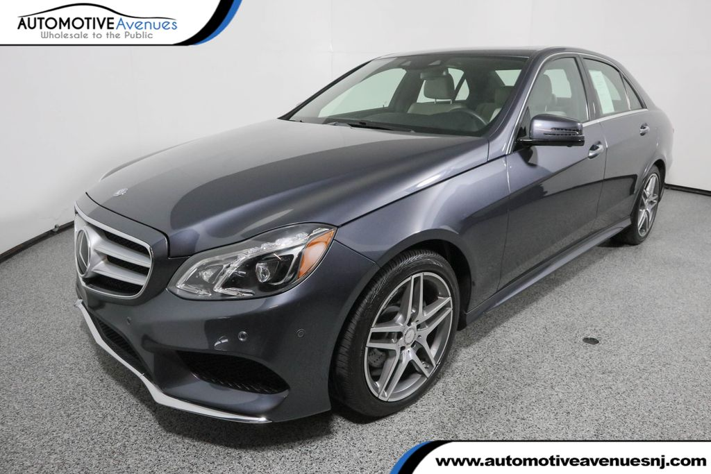 2016 Mercedes-Benz 4dr Sedan E 400 4MATIC® with Lighting and Driver Assistance Pkgs