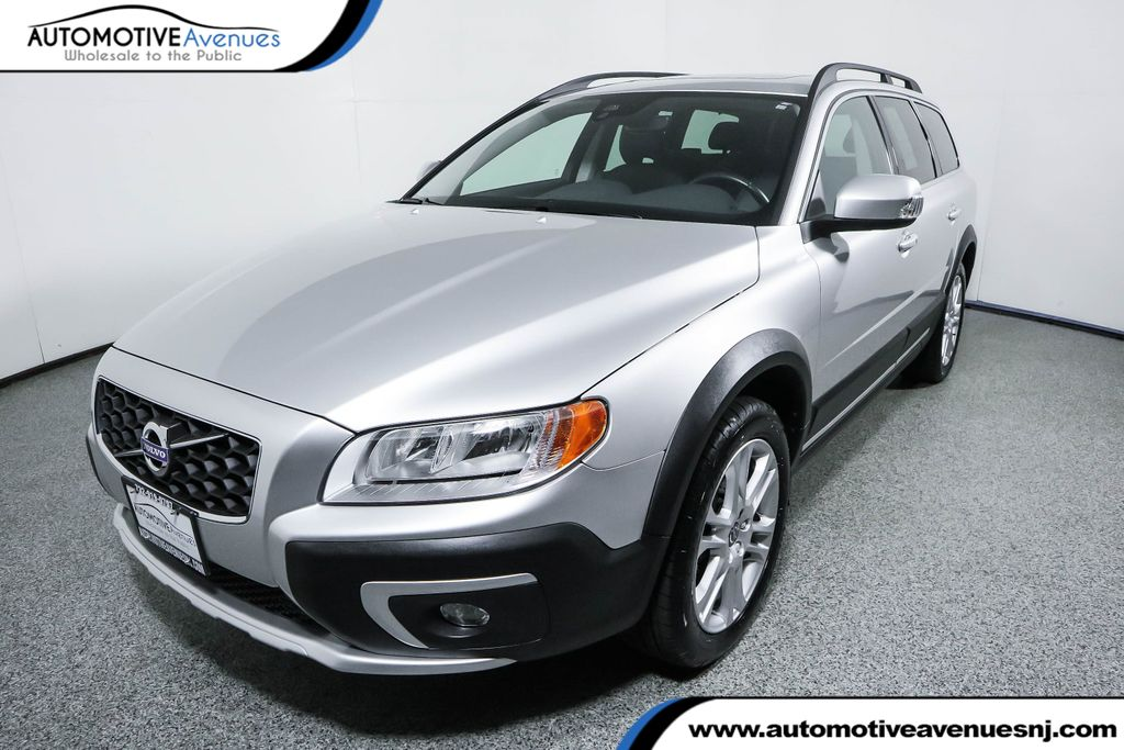 Pre-Owned 2016 Volvo XC70 AWD 4dr Wagon T5 Premier