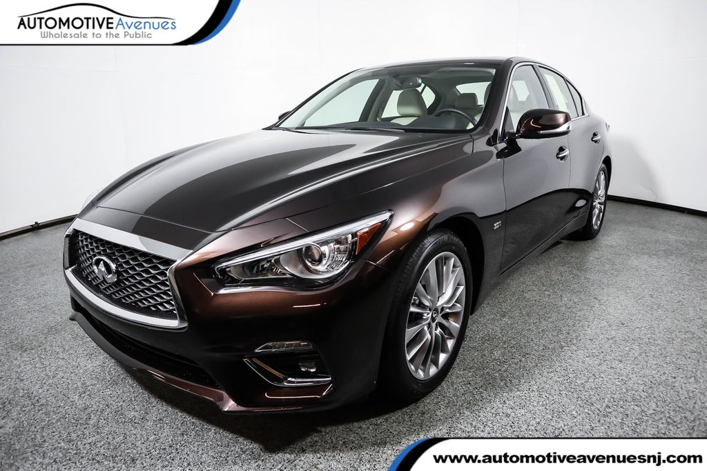 Pre-Owned 2019 INFINITI Q50 3.0t LUXE with Essential Package
