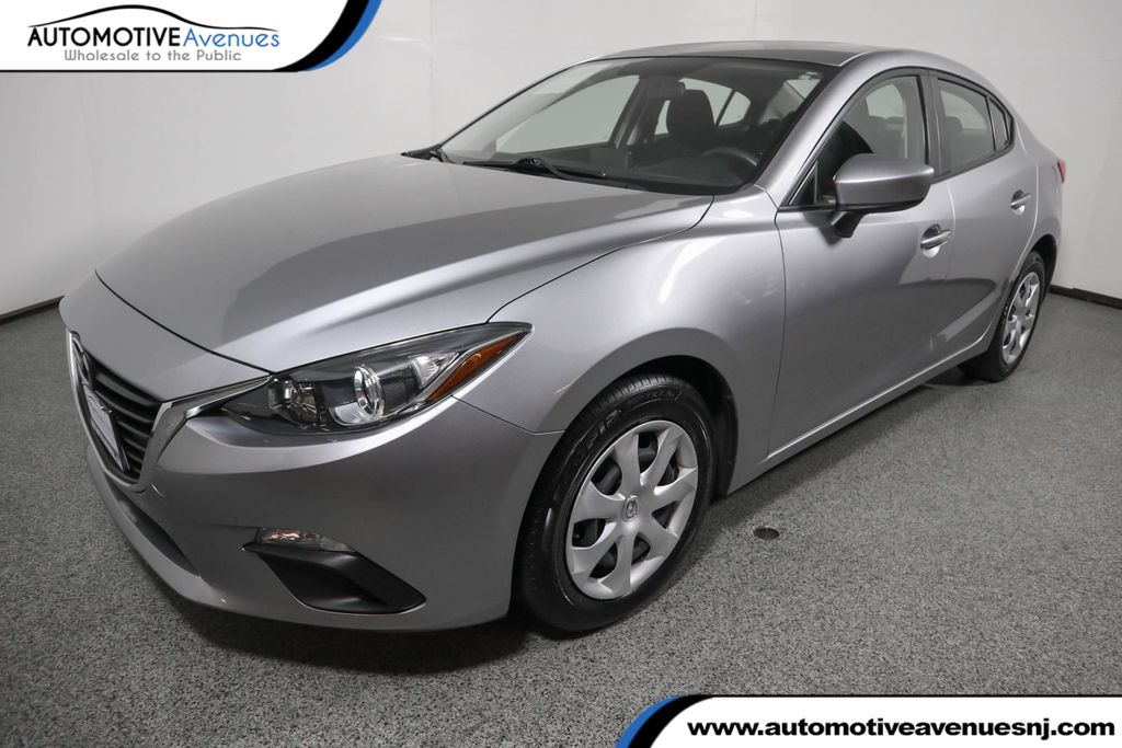Pre-Owned 2016 Mazda3 4dr Sedan Automatic i Sport