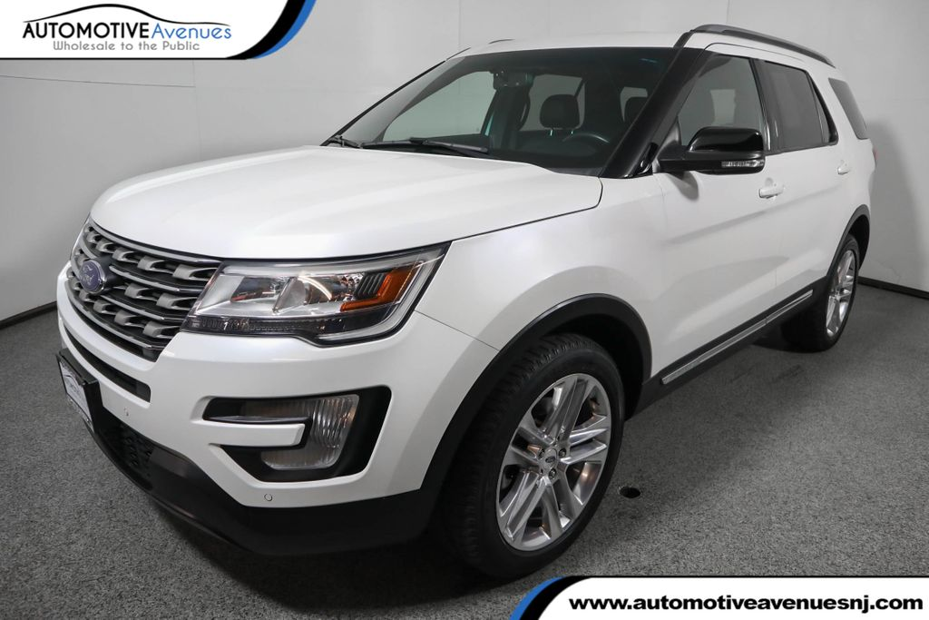 Pre-Owned 2016 Ford Explorer 4WD 4dr XLT w/ Leather, Nav, 20 Inch Wheels &Twin Panel Moonroof