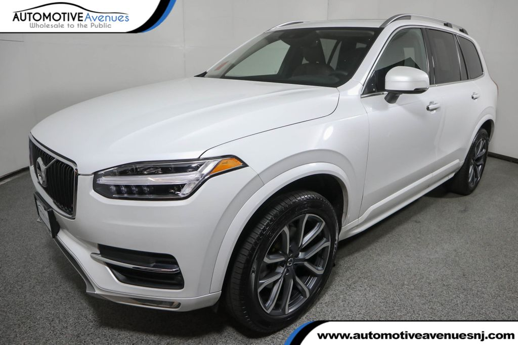 Pre-Owned 2019 Volvo XC90 T6 AWD Momentum