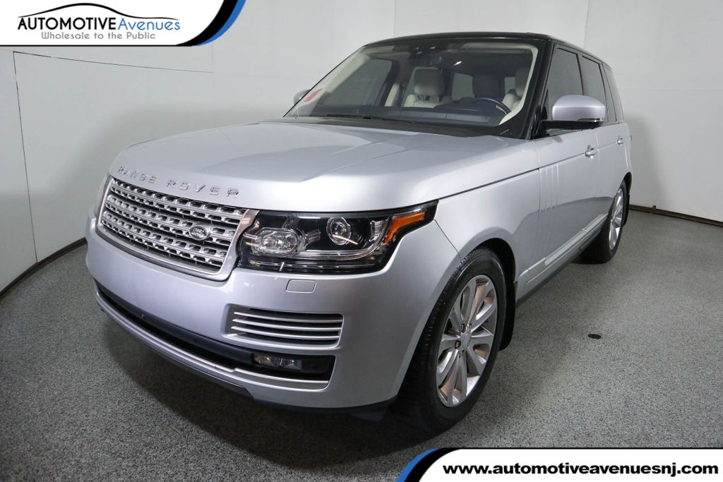 Pre-Owned 2017 Land Rover Range Rover V6 Supercharged HSE SWB w/ Premium Sound & Vision Assst Packages