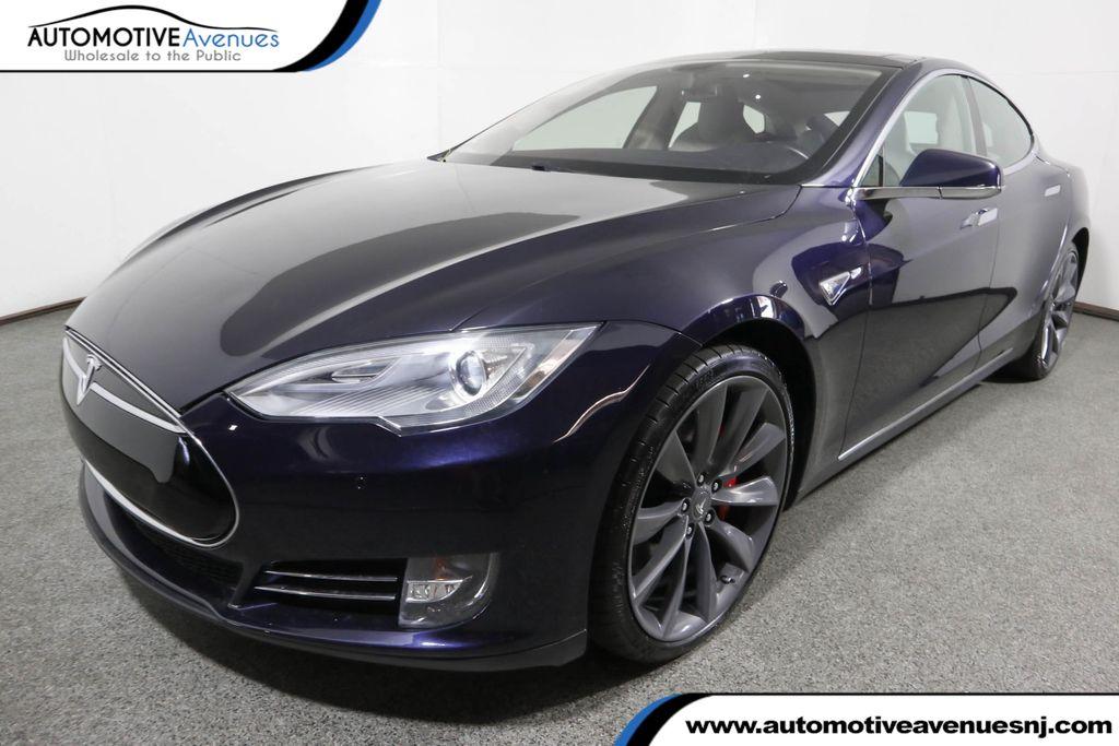 2013 Tesla Model S P85 w Subzero Winter and Tech Packages Rear Wheel Drive Sedan