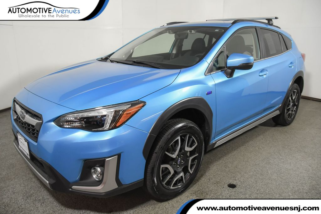 Pre-Owned 2019 Subaru Crosstrek Hybrid CVT w/ Moonroof & Navigation